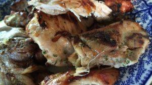 ヨーグルトの効果でお肉がふっくら!鶏肉の塩ヨーグルトハーブ焼きレシピ